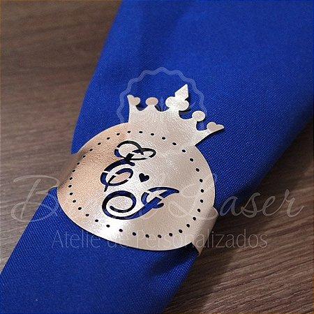 1 Porta Guardanapo em Courvin Coroa com a Inicial(is) que desejar - #Quant.Mínima: 10 unidades iguais# PGC 03008A