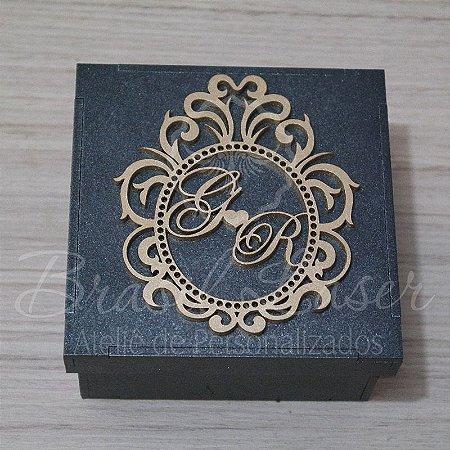 1 Monograma / Brasão Personalizado para Caixinhas ou Convites (Pintado e Sem Pintura) - #Quantidade Mínima: 10 unidades iguais# - MOB 00176A