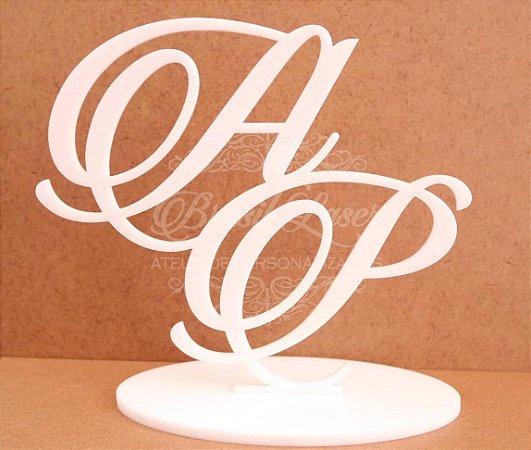 Topo de Bolo (Personalizado com Iniciais dos Noivos ou do Casal que o Cliente Desejar) - TBV 01001C