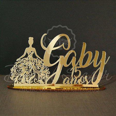 Topo de Bolo Debutante Roupa Festa (Personalizado com Nome e Idade XV 15 anos que o Cliente Desejar) - TBV 01149A