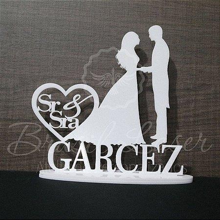 Topo de Bolo Casal Coração Sr & Sra (Personalizado com Sobrenome que o Cliente Desejar) - TBC 00501J