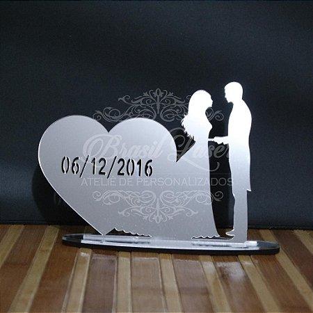Topo de Bolo Casal Coração (Personalizado com a Data do Evento que o Cliente Desejar) - TBC 00501M