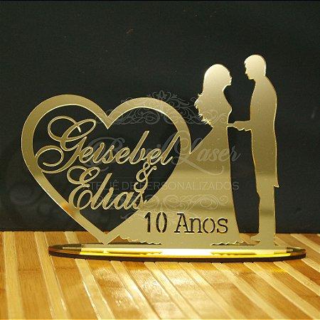 Topo de Bolo Casal Coração (Personalizado com os Nomes e a Quantidade Anos que o Cliente Desejar) - TBC 00501P