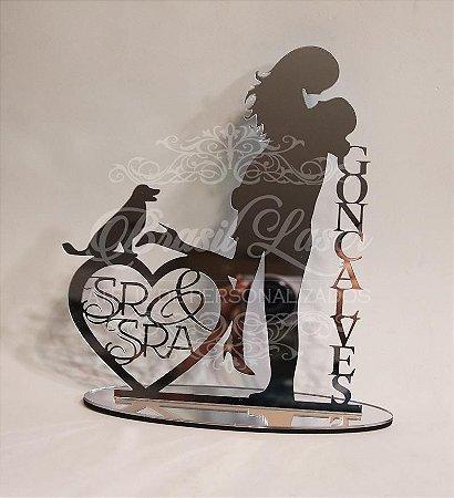 Topo de Bolo Casal Coração Sr & Sra com 1 Cachorro (Personalizado com o Sobrenome que o Cliente Desejar) - TBC 00504C