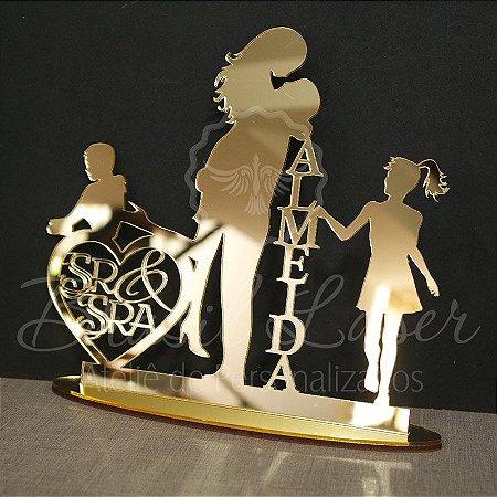 Topo de Bolo Casal Coração Sr & Sra com 1 Menino e 1 Menina  (Personalizado com Sobrenome que o Cliente Desejar) - TBC 00504I