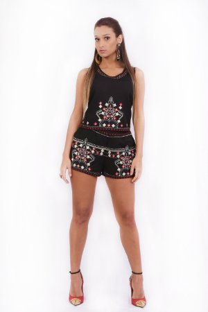 Conjunto Bordado Cropped e Short