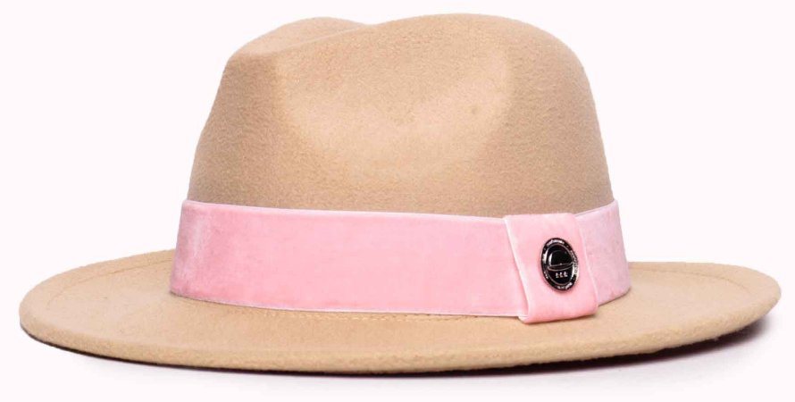 Chapéu Fedora Feltro Bege Aba Média 6,5cm Faixa Rosa Claro Coleção Veludo