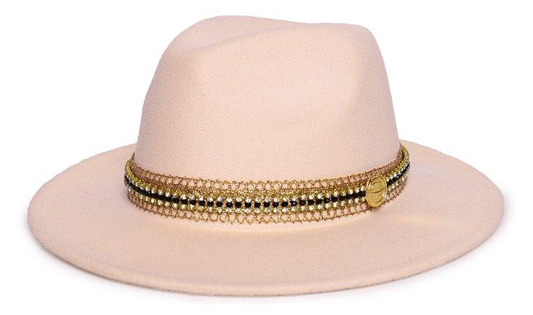 Chapéu Fedora Feltro Creme Aba Média 7cm Faixa Dourada e Preto - Coleção Renda