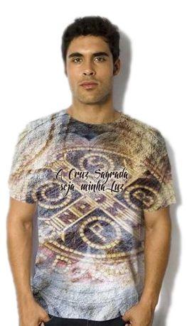 Camisa A Cruz Sagrada seja Minha Luz