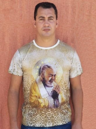 Camiseta Santo Padre Pio - Frente e Verso
