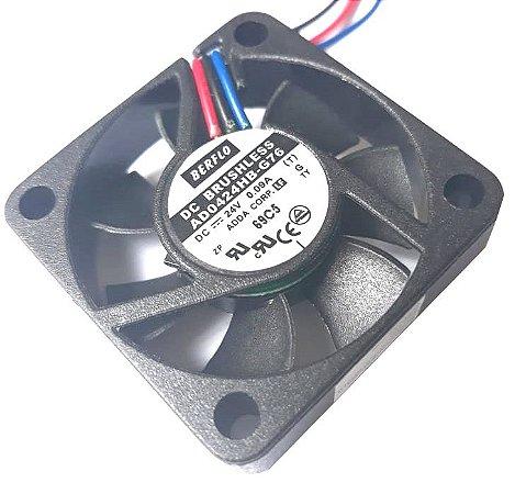 Cooler 40X40X10 24V Rolamento Berflo AD0424HB-G76 - 396 Amp.: 0.09 RPM: 6000