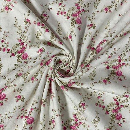 Tricoline Fundo Branco Com Flores Rosas