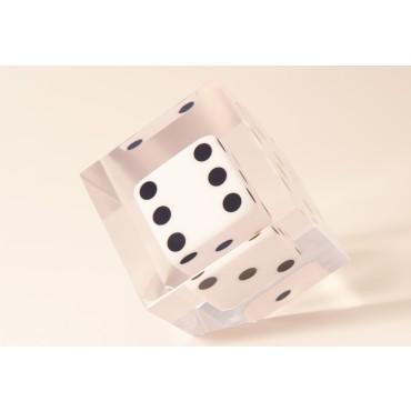 Cubo 3 D com dado chanfrado - pequeno