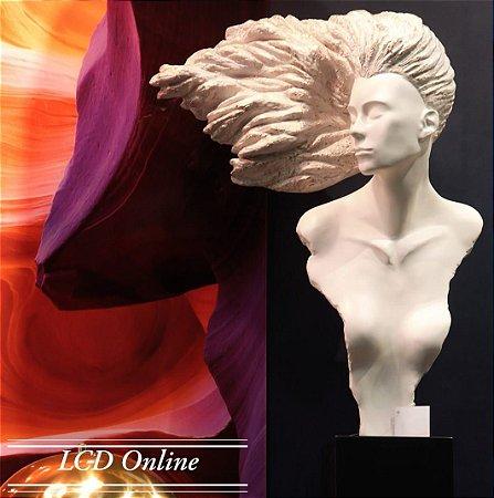 Escultura Cabelo ao Vento