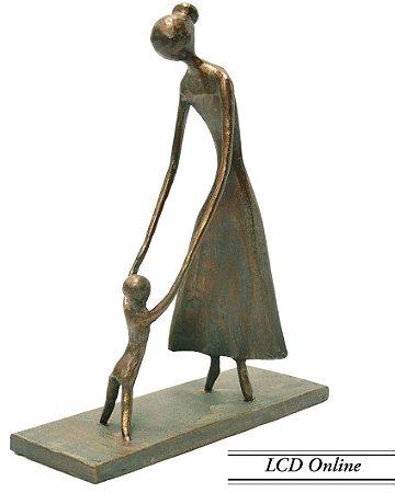 Escultura mãe e filho