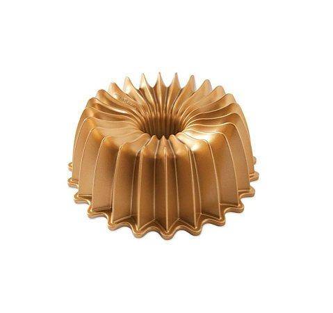 Forma para Bolo Confeitaria Brilliance Gold Nordic Ware