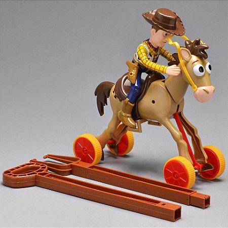 Boneco Woody com Bala no Alvo Galopantes