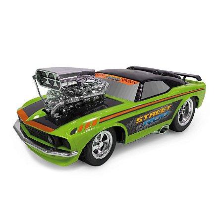 Monster Machini Carro à Fricção Esporte Tunado c/ Luz e Som