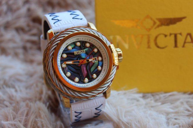 eeceaa8b49a INVICTA RESERVE COLOR SWING 2019