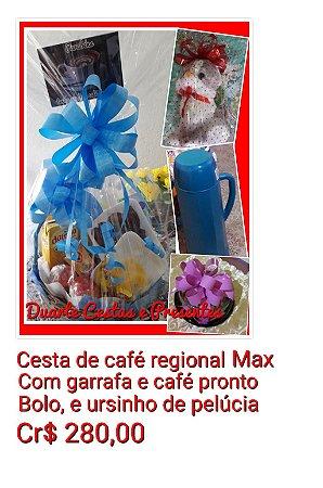 Cesta de café da manhã regional Max, com bolo, garrafa com café e ursinho de pelúcia