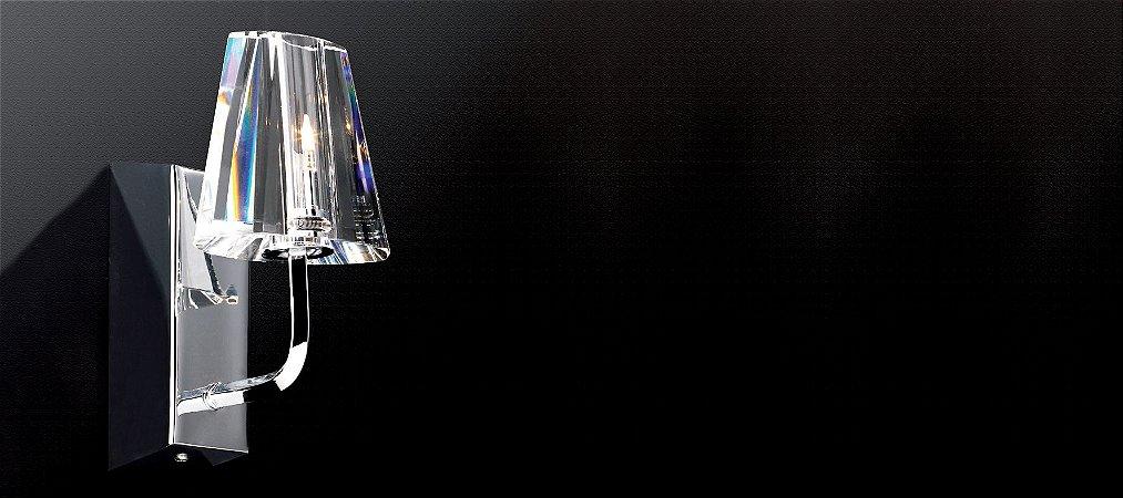 Arandela com Cupula em Cristal Translúcido e Acabamento Cromado 2w 3.000k bivolt Stella SD2302