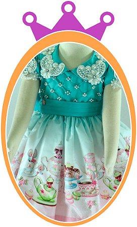 Vestido infantil Alice no País das Maravilhas com Aplicações em Pérolas