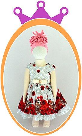 Vestido Quadriculado e Saia com Estampa de Rosas Vermelhas e Urso