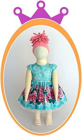 Vestido Azul Estampado com Aplique de Pedras no Corpo e Barra da Saia com Estampa de Flores Rosas e Tule no Babado - Acompanha Tapa Fralda