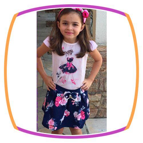 Conjunto infantil Blusa Estampa Menina e Saia Estampa Flores Rosas