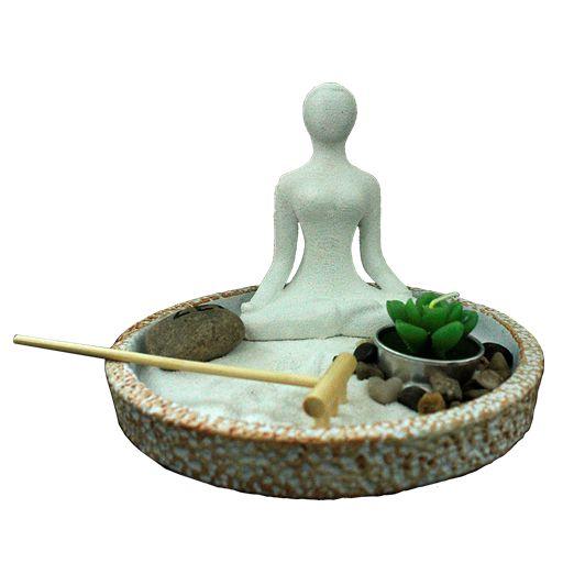 Jardim Zen com Estátua Yoga e Flor de Lótus