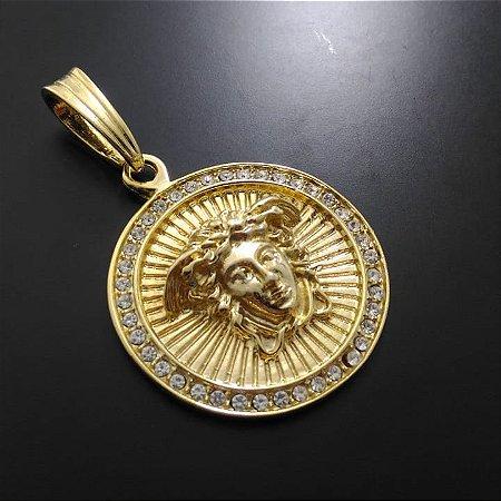 Pingente Versace Cravejado Banhado a Ouro 18K