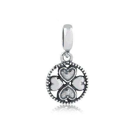 Berloque de Prata Pingente Medalha Trevo Corações