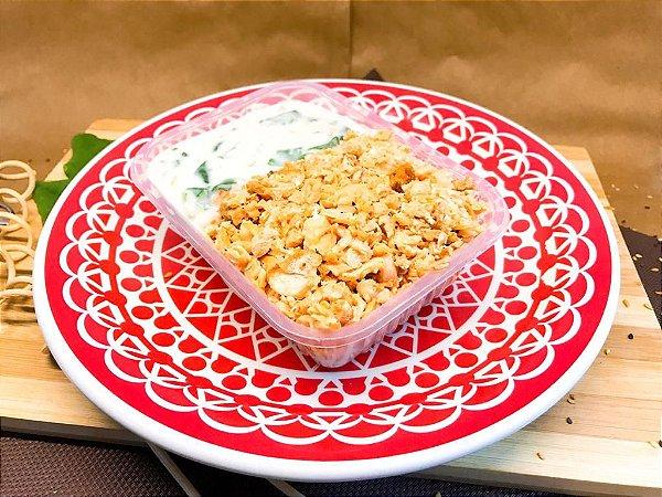 Salmão desfiado com creme de espinafre e arroz integral 320g