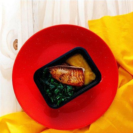 Saint peter grelhado com purê de mandioquinha, couve manteiga e arroz integral 400g