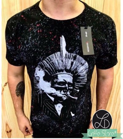 Camiseta Masculina Grafitada Cacique Preta