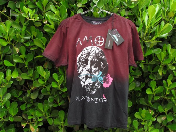 Camiseta Masculina Reserva Amor Platonico