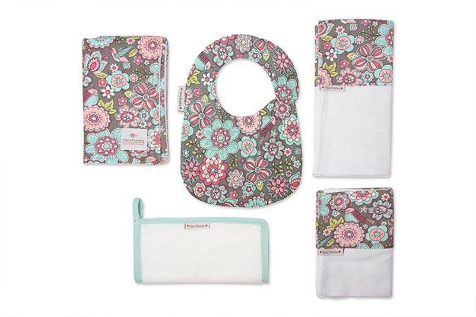 Kit Floral com 5 peças (babador, paninho, manta, fralda de ombro e toalha fralda)