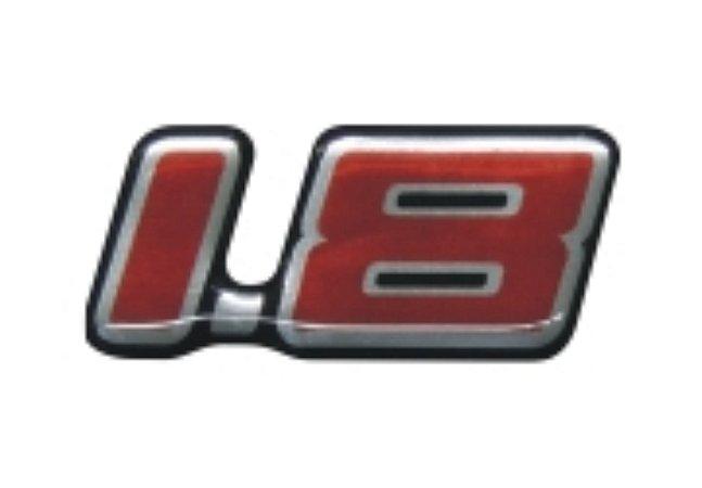 EMBLEMA AUTOMOTIVO - 1.8 - Linha GM /03 - Papel Cromado - Cor Padrão - 6,4 x 2,9 cm