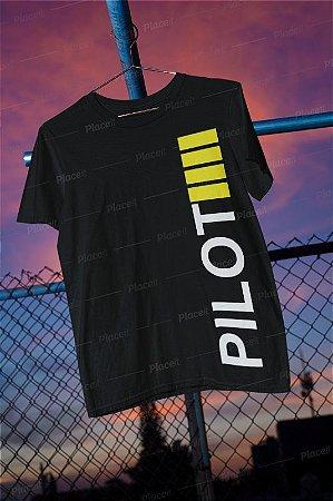 Camiseta Preta Piloto em Comando