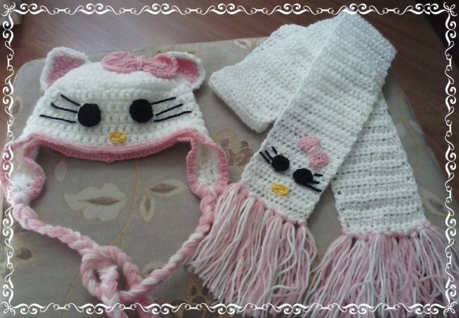 Conjunto Cachecol e Gorro Hello Kitty