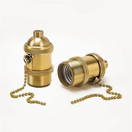 Soquete Retro para cupulas com acabamento em latão com corrente na cor dourado /E27