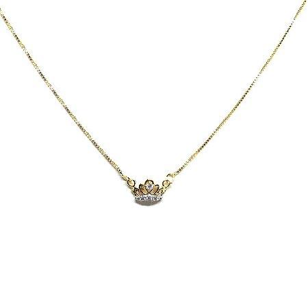 Colar coroa folheado em ouro 18k