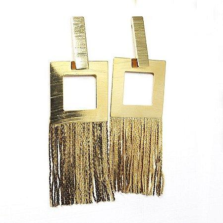 Brinco quadrado de franjas folheado em ouro 18k