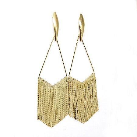 Brinco triangular de franjas folheado em ouro 18k