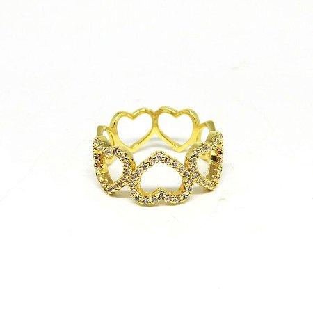 Anel vazado de coração com zirconia folheado em ouro 18k