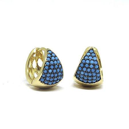 Argola pequena de pedraria azul folheado em ouro 18k