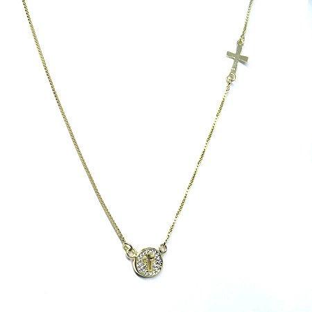Colar religioso cruz detalhada folheado em ouro 18k