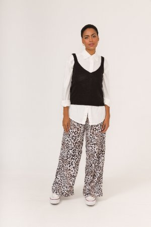 KIT Regata de tricot preta + Camisa Boy Branca