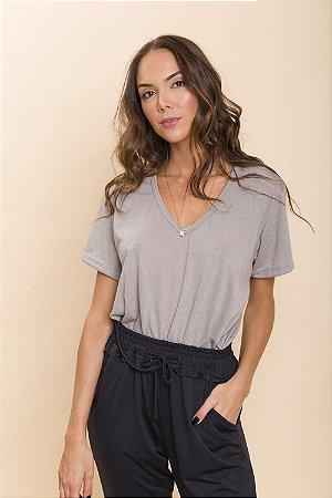 T-Shirt Cinza Malu