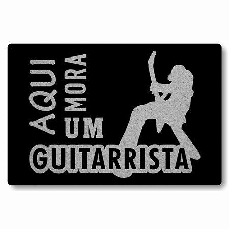 Tapete Capacho Aqui Mora um Guitarrista - Preto